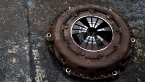Clutch replacement for cars and vans